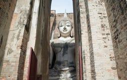 Висок приятеля Sukhothai - Wat Sri - Будда в камере Стоковая Фотография