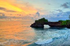 Висок серии Tanah на море в острове Индонезии Бали Стоковое Изображение