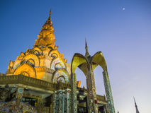 Висок Таиланд Будды на ноче Стоковое фото RF