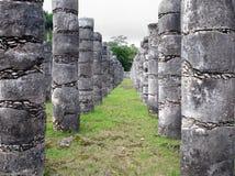 Висок тысячи воинов, археологические раскопки Chichen Itza, Мексика стоковое фото