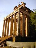 Висок Antoninus и Faustina, Рима, Италии Стоковое фото RF
