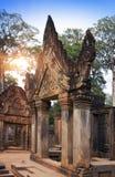 Висок Banteay Srey губит столетие на заходе солнца, Siem Reap Xth, Камбоджу стоковые фотографии rf