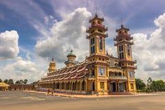 Висок Cao Dai, Вьетнам стоковая фотография rf