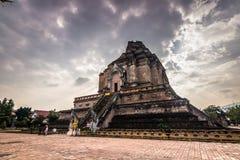Висок Chedi Luang в Чиангмае, Таиланде стоковые фотографии rf