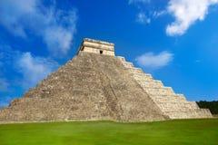 Висок Chichen Itza El Templo Kukulcan Стоковая Фотография