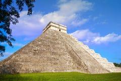 Висок Chichen Itza El Templo Kukulcan Стоковые Фотографии RF