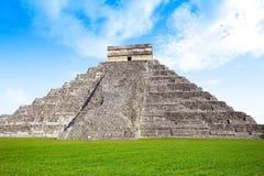 Висок Chichen Itza El Templo Kukulcan Стоковое Изображение RF