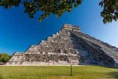 Висок El Castillo Kukulkan, Chichen Itza, Мексики Стоковое Изображение RF