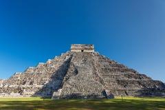 Висок El Castillo Kukulkan, Chichen Itza, Мексики Стоковые Изображения RF