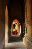 Висок Htilominlo, коридор Bagan, Мьянма Стоковое Изображение RF