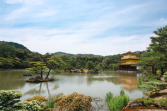 Висок ji Kinkaku в Японии Стоковое Фото