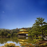 Висок Kinkakuji в Киото, Японии Стоковое Фото