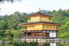 Висок Kinkakuji в Киото, Японии Стоковое Изображение RF