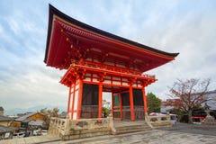 Висок Kiyomizu-Dera буддийский в Киото, Японии Стоковое Изображение RF