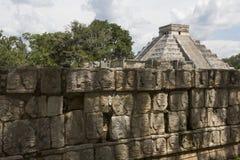 Висок Kukuklan castillo Chichen Itza el, acient культура, Юкатан, Мексика Стоковое фото RF