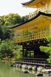 висок kyoto kinkakuji Стоковая Фотография