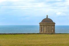 Висок Mussenden, береговая линия Северной Ирландии, Атлантического океана Стоковое фото RF