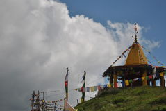 Висок na górze холма в пропуске Manali Rohtang трассы Стоковое Фото