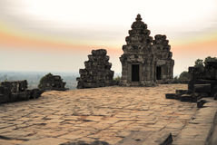 висок phnom bakheng стоковое фото rf