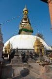 висок swayambhunath пилигрима kathmandu Непала Стоковые Изображения
