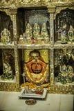Висок Tridev Mandir в ВАРАНАСИ стоковые фотографии rf