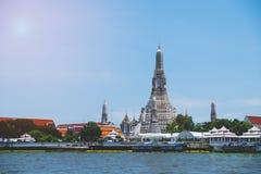Висок Wat Arun буддийский висок в Бангкоке, Таиланде Стоковые Изображения