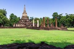 Висок Wat Chang Lom в парке Si Satchanalai историческом стоковое изображение