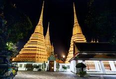 Висок Wat Pho на ноче Стоковое Фото