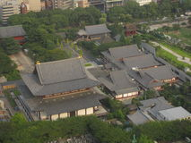 Висок Zojo-ji буддийский сверху в центре города токио Стоковые Фотографии RF