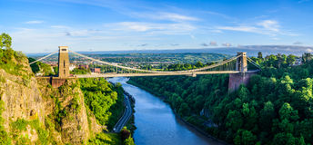 Висячий мост Бристоля на заходе солнца стоковые фотографии rf