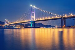 Висячий мост к острову парка стоковое фото rf