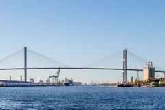 Висячий мост над Рекой Savannah стоковое фото