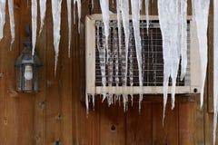 вися крыша icicles Стоковое Изображение RF
