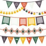 Вися традиционные мексиканские знамена, флаги, гирлянды электрических светов иллюстрация вектора