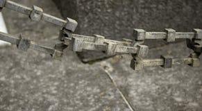Вися цепи утюга стоковые фотографии rf