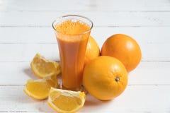Витамины сока апельсина сока свежие стоковая фотография rf