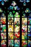 Витраж в соборе St Vitus, Прага, чехословакский r стоковая фотография