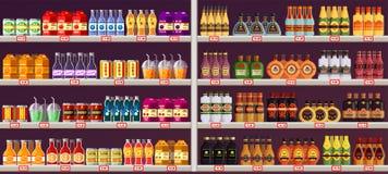 Витрина или стойл с пить и спирт на магазине Стоковое фото RF