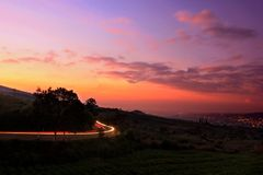 Вихор света на наклоне горы стоковое фото rf