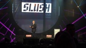 Вице-президент Al Gore Соединенных Штатов говорит на церемонии открытия слякоти запуска и фестиваля техника внутри акции видеоматериалы