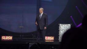 Вице-президент Al Gore Соединенных Штатов говорит на церемонии открытия слякоти запуска и фестиваля техника внутри сток-видео