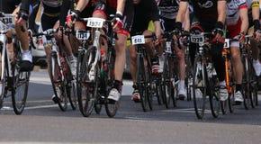 Виченца, VI, Италия - 12-ое апреля 2015: велосипедисты на велосипедах гонок Стоковое Изображение RF