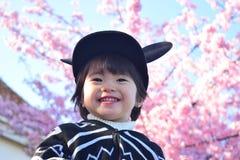 Вишневый цвет и ребенок Стоковые Изображения RF