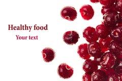 Вишни ягод зрелые свежие на белой предпосылке изолировано Предпосылка вишни Макрос Декоративная рамка Стоковое фото RF
