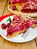 Вишня пирога с красной салфеткой на борту Стоковая Фотография RF