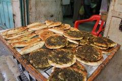 2 вида хлебов пита в израильском рынке Стоковые Фото