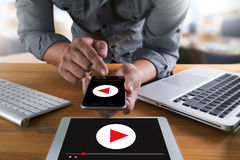 Видео ВИДЕО- МАРКЕТИНГА тональнозвуковое, выходит взаимодействующие каналы вышед на рынок на рынок, бушель стоковое изображение rf