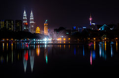 Вид на город Куалаа-Лумпур от озера Titiwangsa Стоковая Фотография RF