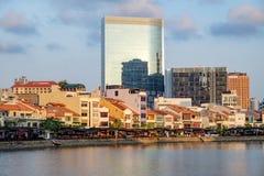 Вид на город Сингапура на набережной шлюпки Стоковая Фотография