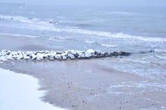 Вид на море в зимнем времени Стоковое Изображение